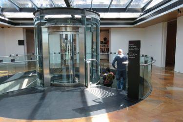 #45 The Elevator